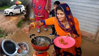 During Travel Cooking Food On Road - Village Style Open Kitchen