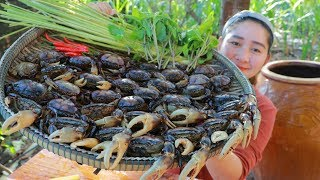 Tasty Spicy Crab Frying - Cooking With Sros