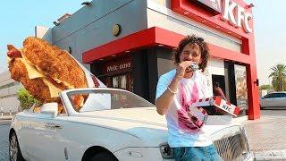 Probando la receta MÁS RARA de KFC en un Rolls Royce