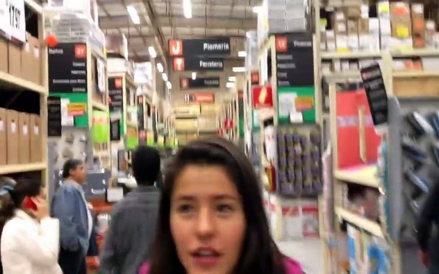 Rafa me hace bullying - Los Polinesios en Home Depot