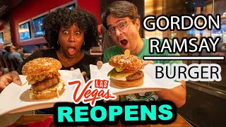 We ATE Gordon's BEST BURGERS 🍔 at Gordon Ramsay Burger Las Vegas (Gordon Ramsay Restaurant Review)