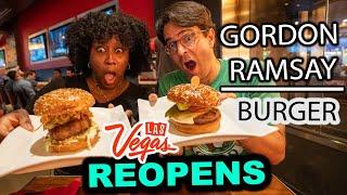 We ATE Gordon's BEST BURGERS 🍔 at Gordon Ramsay Burger Las Vegas (Gordon Ramsay Restaurant Review)
