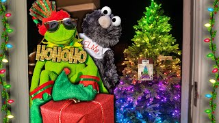 Kermit the Door Salesman Gets FESTIVE Selling RGB Christmas Trees!