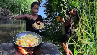 Yummy Green papaya fried spicy with Chicken egg - Cooking papaya for Food ideas in forest